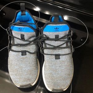 Adidas boys sneakers size 5
